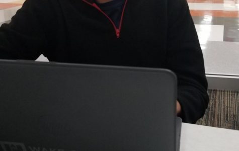 Schools Should Continue Providing Laptops for Student Use