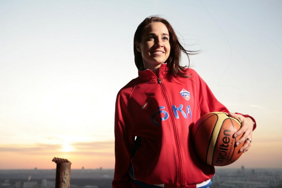 Becky Hammon breaks boundaries with her position as NBA coach.